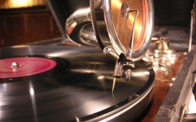 Test és lélek kölcsönhatásai – a fonográf-elv