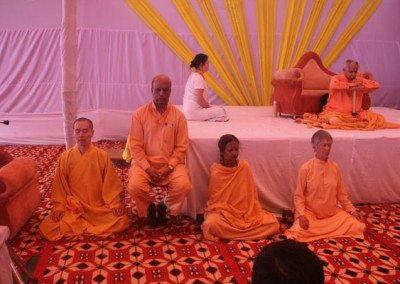 Mediation-session-with-Swami-Veda-Bharati