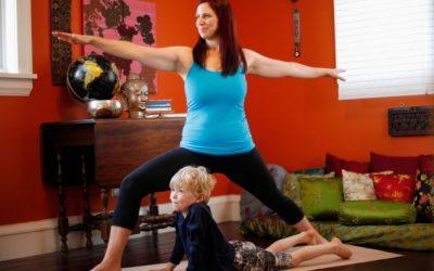 Hogyan szakíts időt a jógára elfoglalt anyukaként?