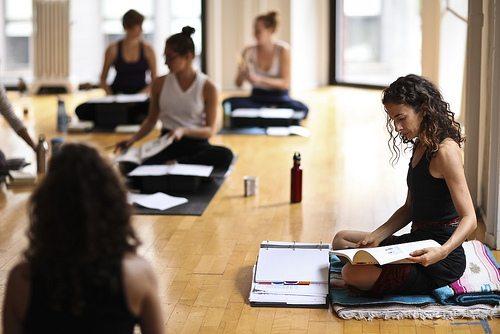 Hova menj, ha komolyan gondolod a jógázást? – Oktatóképzésre!