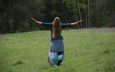 Női erőbe lépés jógával – 7 hétvégés program