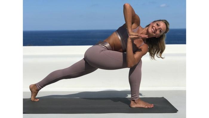 Jógával a túlsúly és az emésztési problémák ellen